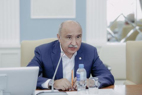 Ректор КФУ провел рабочее совещание с руководящим составом вуза