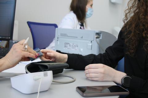 Иностранные студенты КФУ вакцинируются от COVID-19